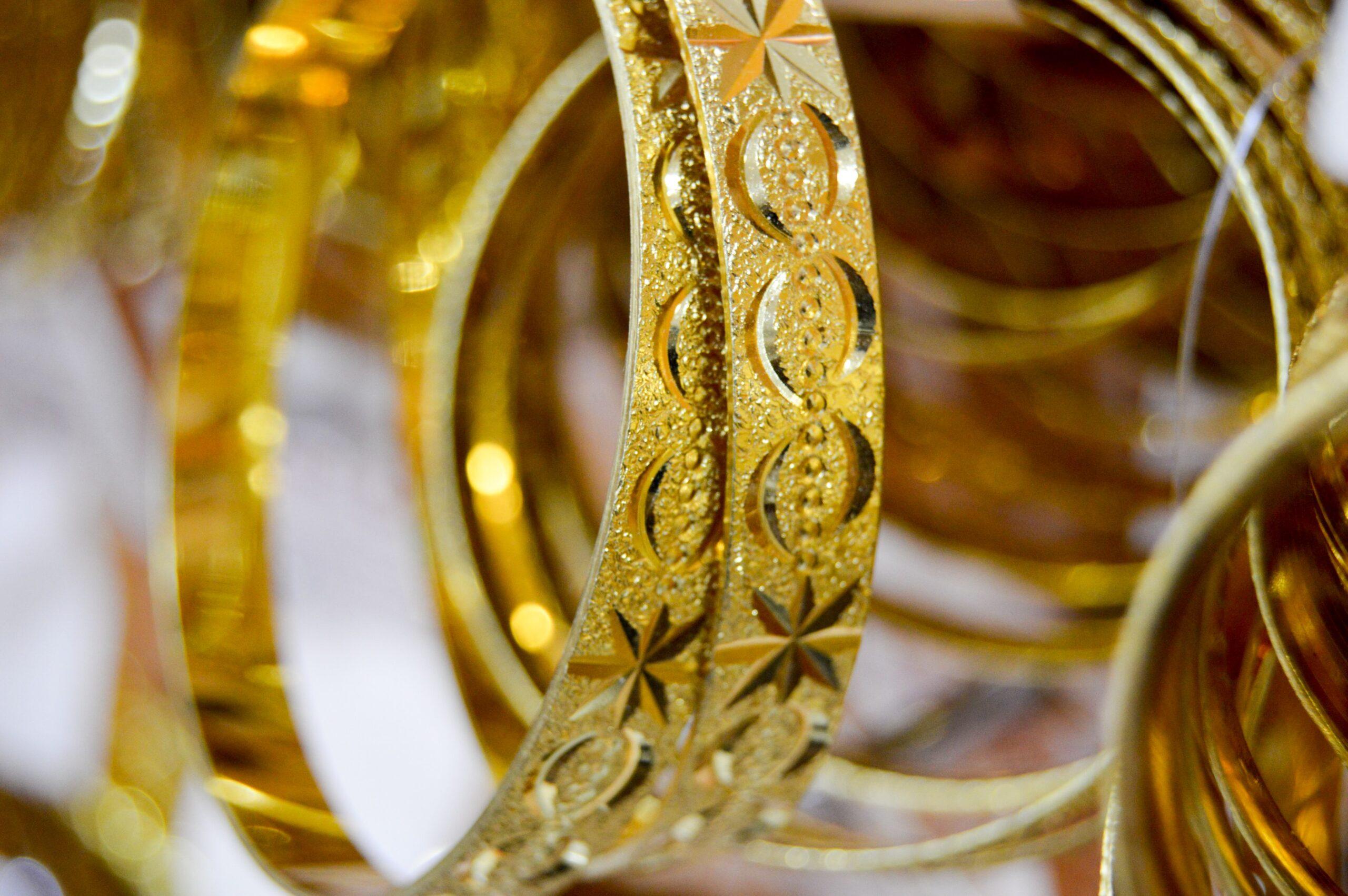 Kado Gelang Emas untuk Pernikahan Pertimbangkan Dulu Hal Ini